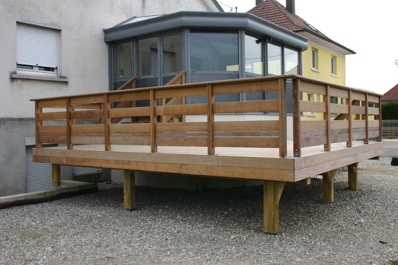 balustrade en bois pour terrasse exterieure fq24 jornalagora. Black Bedroom Furniture Sets. Home Design Ideas